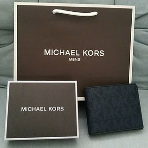 New box billfold wallet men AUTHENTIC mk michael